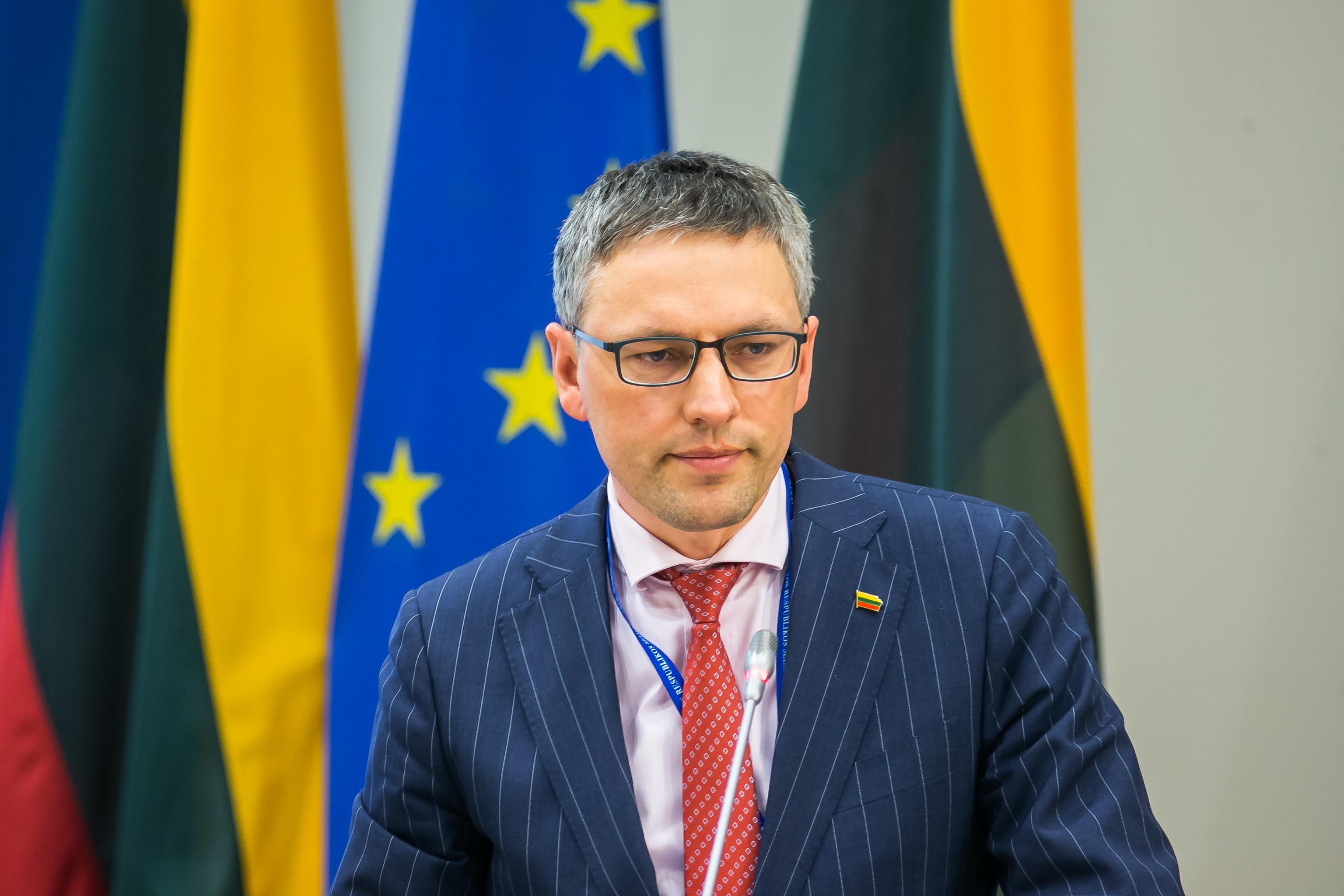Seimo narys V. Bakas siūlo Antikorupcijos komisijai imtis korupcijos rizikų sveikatos sektoriuje ir pandemijos valdymo procese